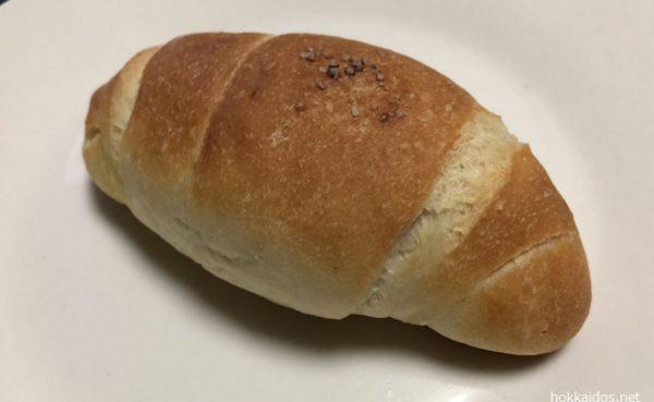 どんぐり塩パン