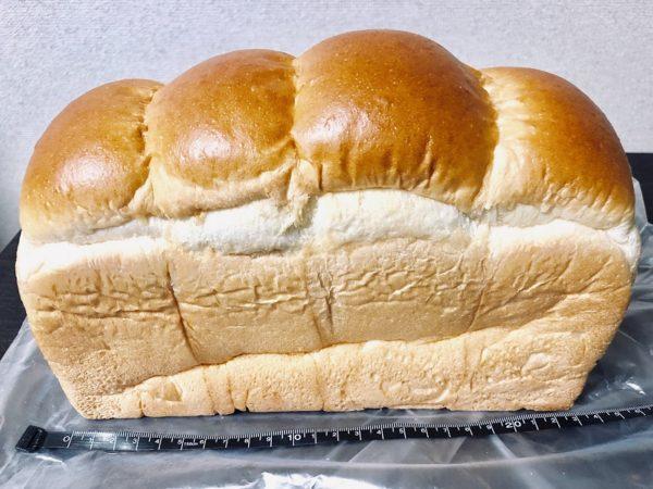 アンビシャス山型食パン大きさ