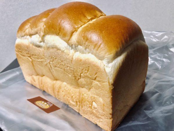 アンビシャス山型食パン