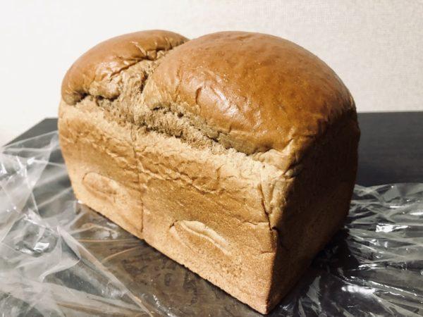 アンビシャス黒糖食パン