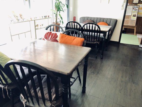 カフェ日和テーブル席