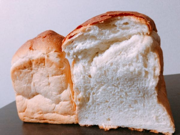 ルミトロン札幌円山山型食パン