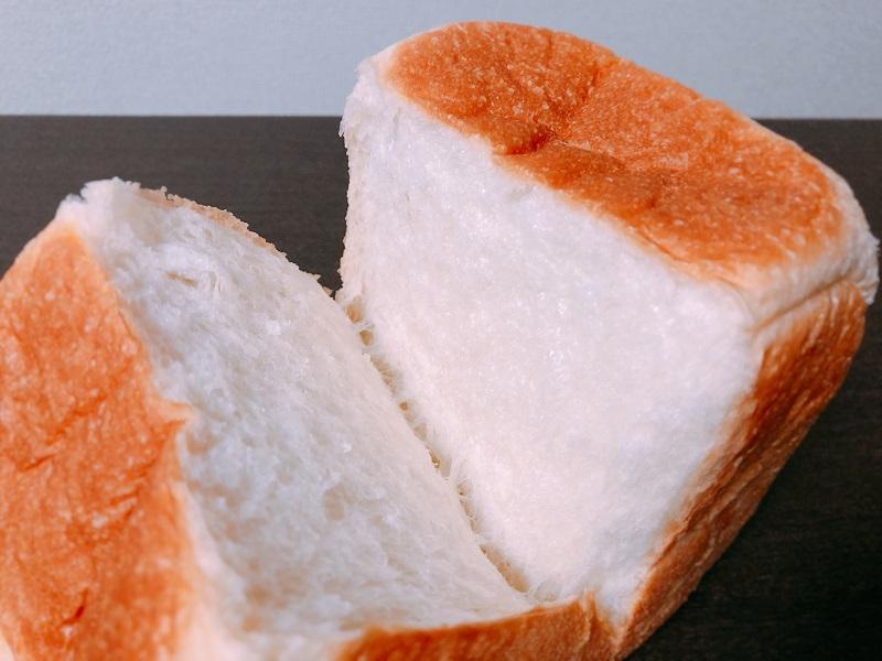 ルミトロン札幌円山食パン断面