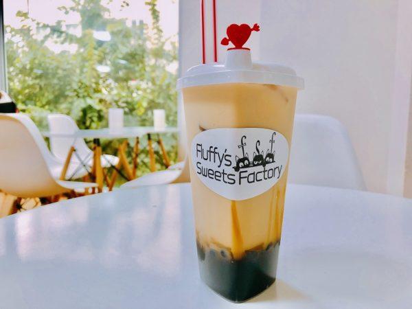 フラッフィーズスイーツファクトリー黒糖ミルクティー