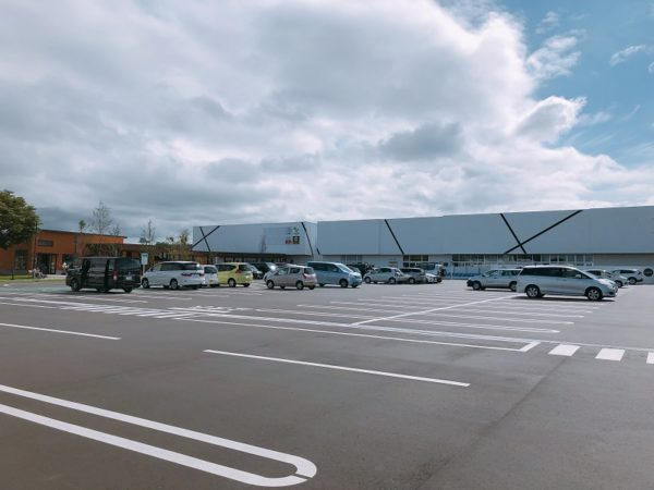 ブランチ札幌月寒の駐車場