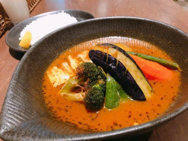 スープカレーラビチキンと野菜
