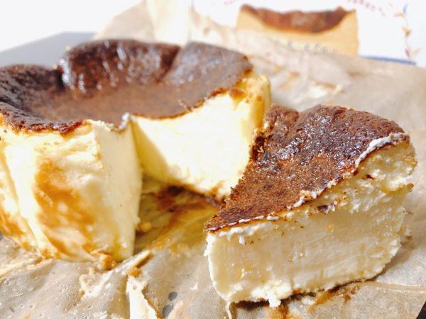 バスキューカットチーズケーキ