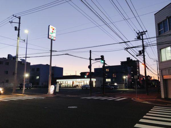 栄通7丁目セブンイレブン